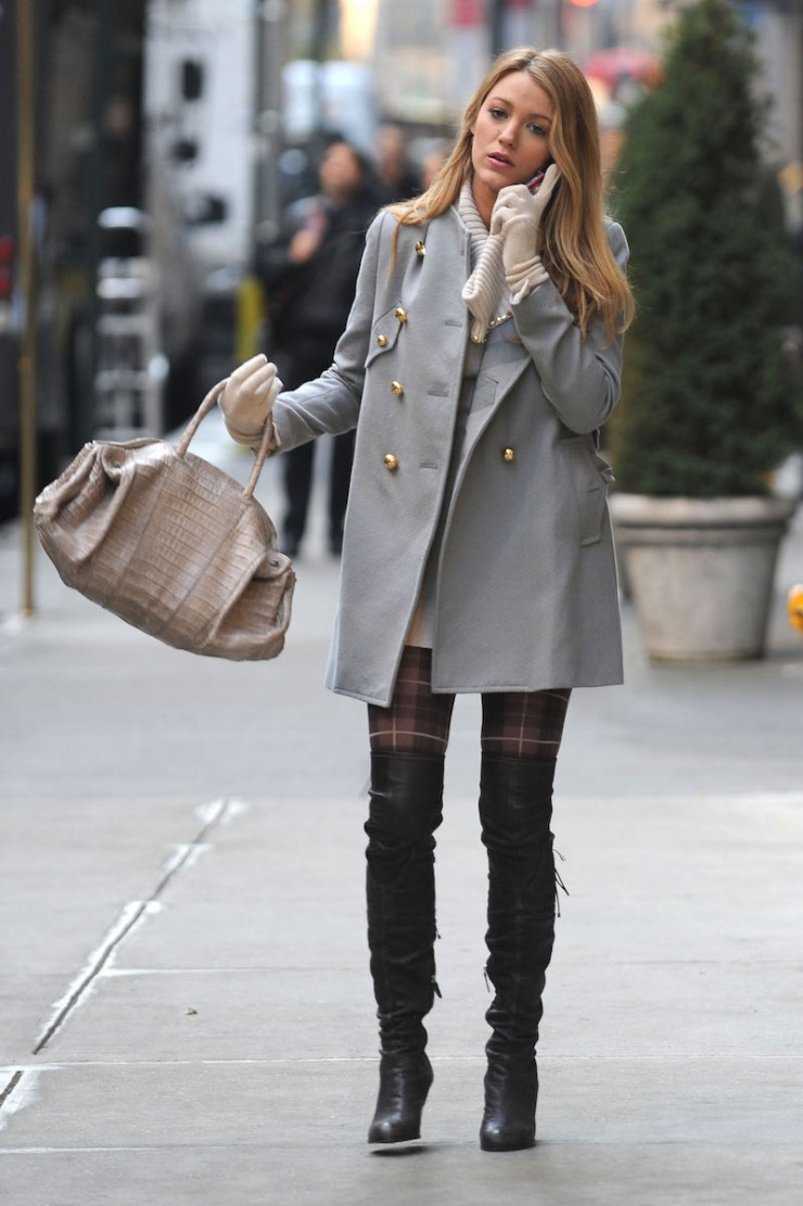 Blake Lively on location for 'Gossip Girl' in Midtown Manhattan